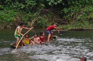 Onzole River children playing